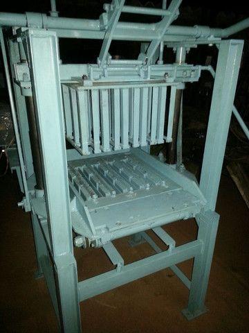 Máquina de fazer bloco manual mod:P 100 - Foto 2