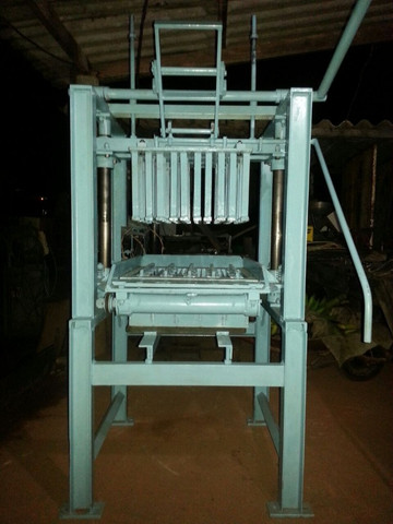 Máquina de fazer bloco manual mod:P 100 - Foto 3
