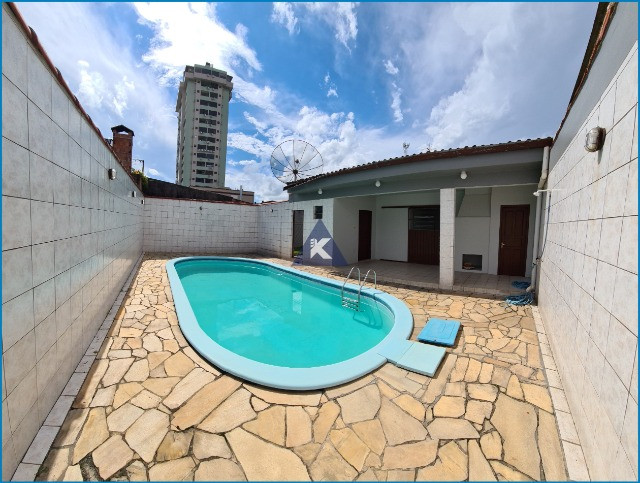 Casa com 4 dormitórios, 4 banheiros, 341,78m², pátio com piscina, Esteio-RS - Foto 2