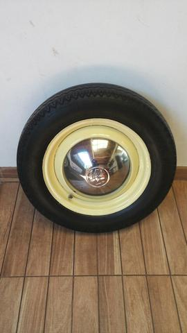 Roda e pneu de fusca