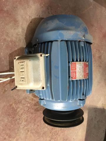 BAIXOU!Motor Trifásico 5cv 220/380v baixa rotação WEG