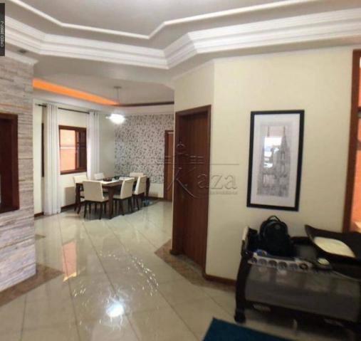 Casa de condomínio à venda com 4 dormitórios cod:V30048SA