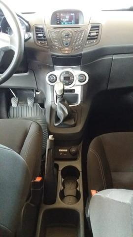 New Fiesta Hatch Impecável 2015 - Foto 6