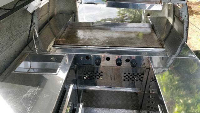 Kombi Foodtruck com freezer e chapeira pronta para negócio!! - Foto 5