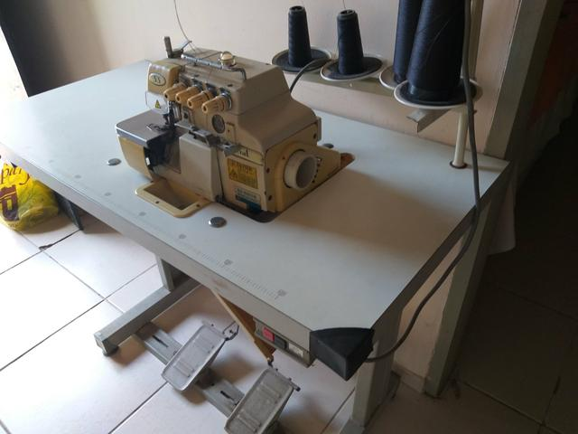 Vendo duas máquinas de costura - Foto 3