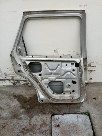 Porta traseira esquerda scort europeu - Foto 2