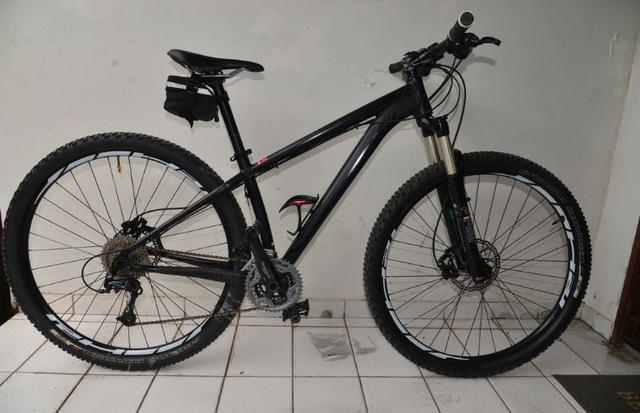 2f620c6bf Bicicleta Mountain Bike Specialized aro 29 RockHopper ano 2013