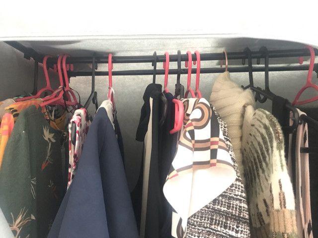 Arara de roupa com capa  - Foto 5