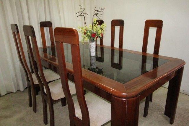 Mesa mogno 8 lugares com cadeiras + espelho