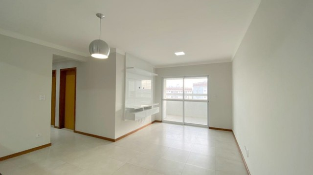 Apartamento para alugar com 3 dormitórios em Vila cleopatra, Maringa cod:04575.001