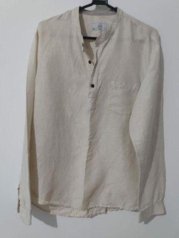 Camisa de botão sem gola