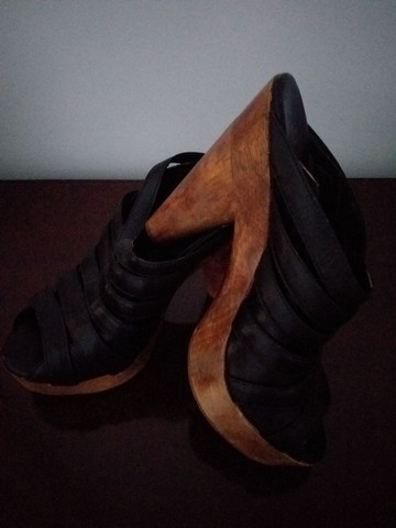 Sapatos de salto alto - Foto 3