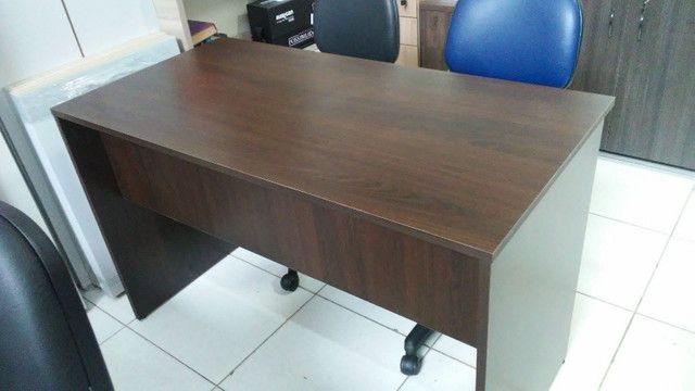 Mesa para escritório em MDF 18 mm cor frassino - Foto 2