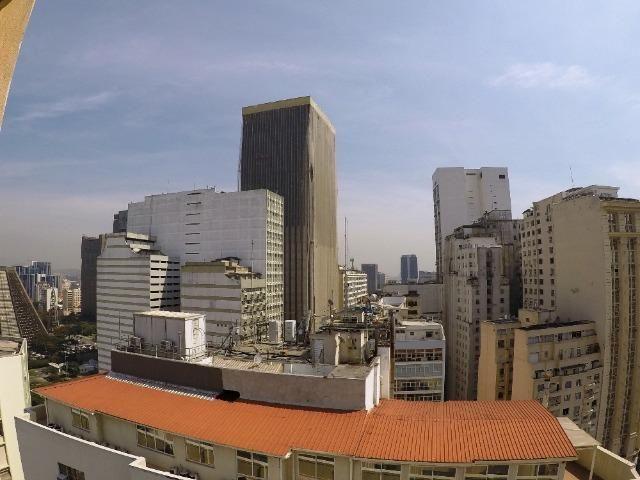 Cobertura na Cinelândia com linda vista para a Baía de Guanabara