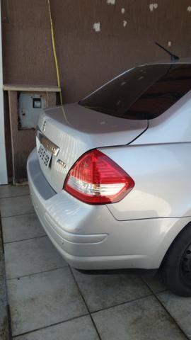 Troco por menor valor Nissan Tiida - Foto 3