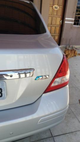 Troco por menor valor Nissan Tiida - Foto 5