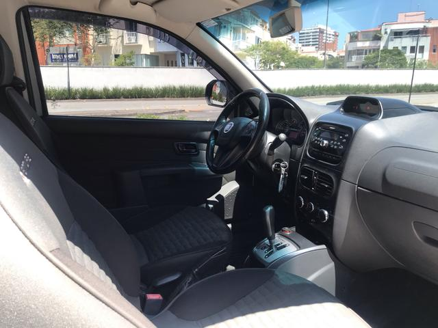 Fiat Strada Adventure cd 3 portas automática 1.8 flex com GNV completa - Foto 16