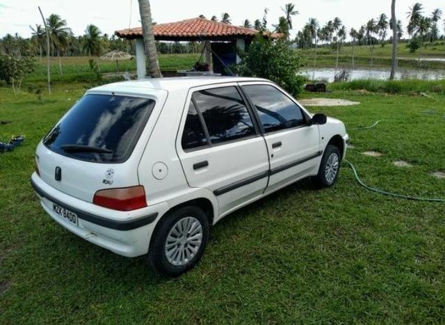 Peugeot 106 - Ano 2000 - Negociável!