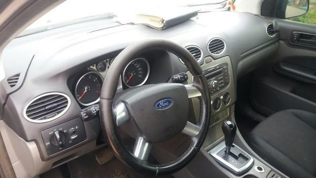 Ford Focus Sedan Titânio 2.0 Flex 2010 - Automático! - Foto 4