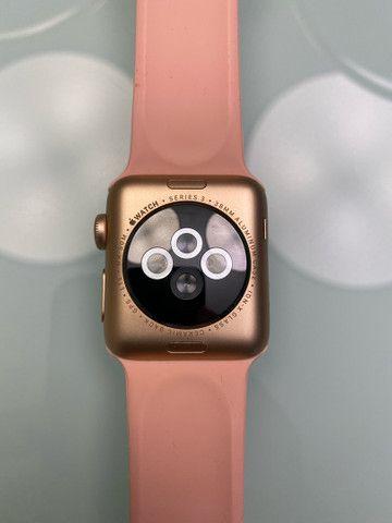 Apple Watch Series 3 38mm GPS + Cellular, Gold Aluminum, Pink Sport Band - Foto 2