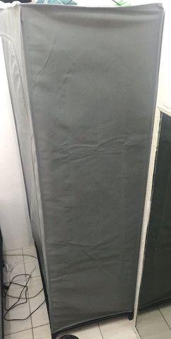 Arara de roupa com capa  - Foto 3