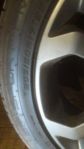 Rodas e pneus novos do Vectra