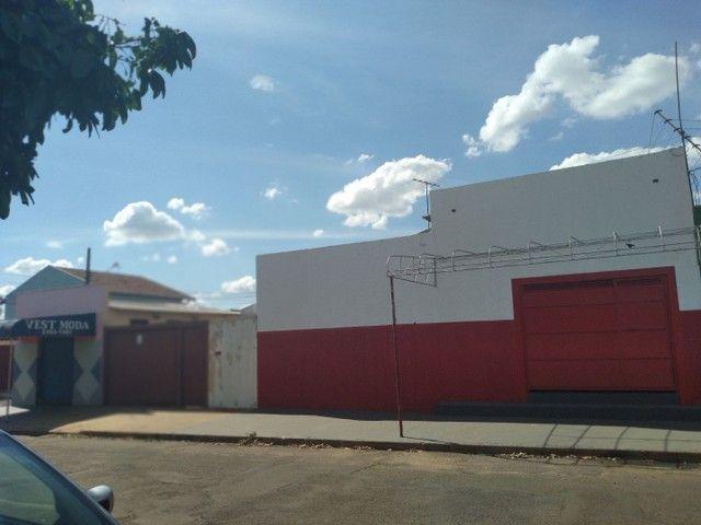 Casa de esquina com imoveis ja com aluguel garantido  - Foto 2