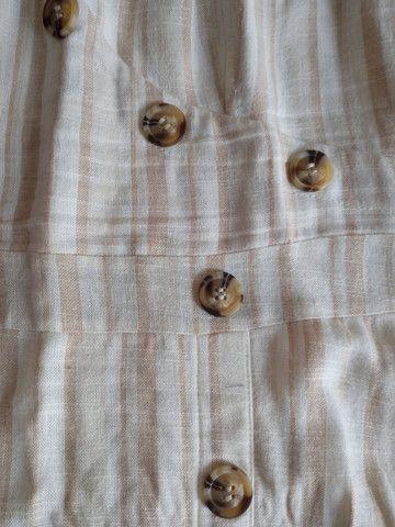 Vestido bege com botões M - Foto 2