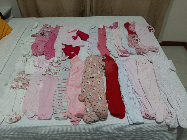 Vendo Combo de Roupinhas de bebê Menina (Semi Novas)