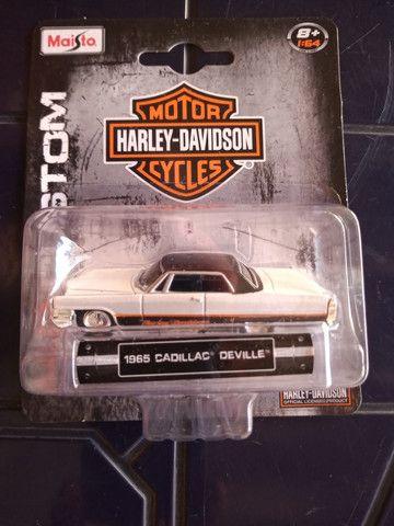 Maisto Hd Custon Harley Davidson Cadillac Deville 1965 -1:64 - Foto 2