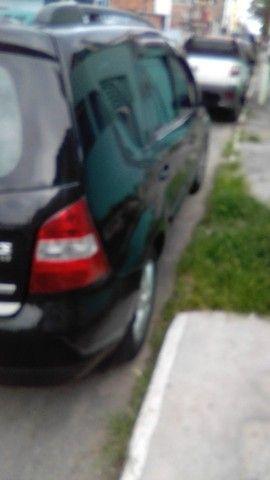 Excelente Nissan Livina - Foto 3