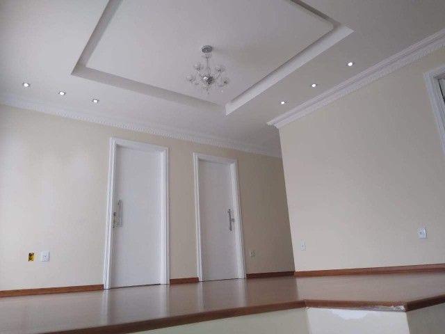 Vendo Casa com ótimo padrão de acabamento - Foto 3