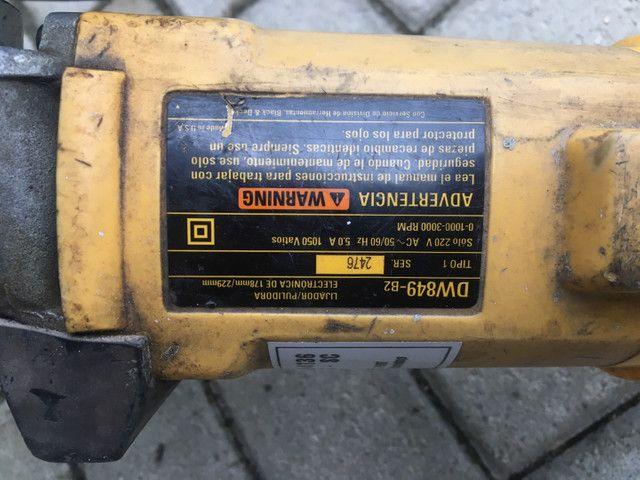 Lixadeira politriz Dewalt - Foto 2