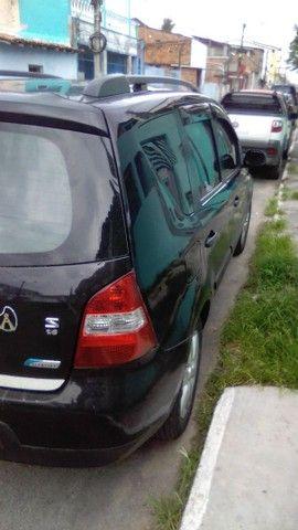 Excelente Nissan Livina - Foto 7