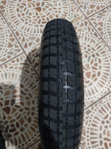 2 rodas para carriola ou carrinho de carga pneu com camara medidas 3.25-8  - Foto 3