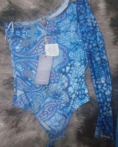 T-shitds calças shorts cropeds - Foto 3