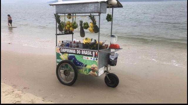 Carrinho coquetel drinks localizado na praia da Daniela