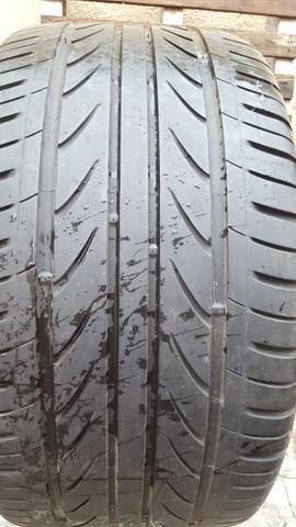 Par de pneus 275-30 R20 Delinte D7 usado