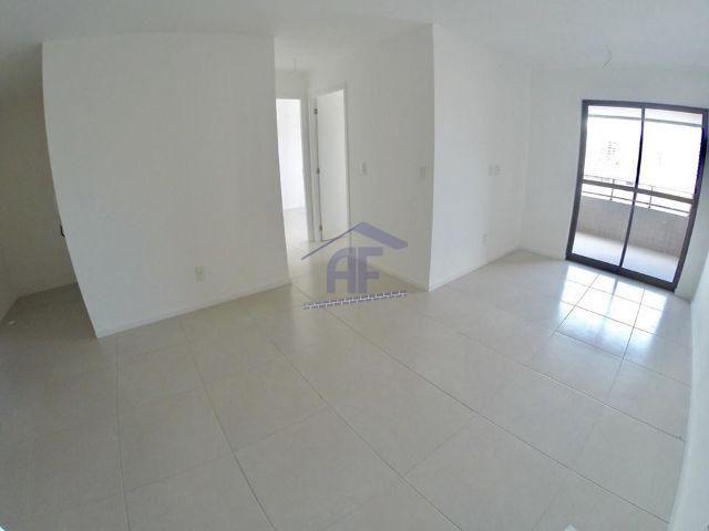 Apartamento com 2 quartos sendo 1 suíte - Edifício Fergus - Jatiúca
