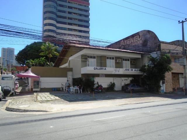 Casa Dupléx de Esquina, 20m X 32m, Av. Engenheiro Santana Jr para Fins Comerciais - Foto 2