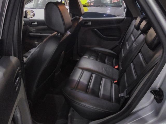 Focus Sedan GLX 2.0 - 2013 - Vários opcionais - Foto 9