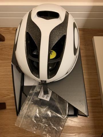 c84a8865dd807 Capacete Oakley Aro 5 Ciclismo TAM M