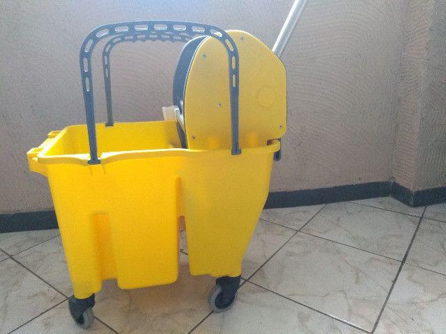 Balde - - Kit de Limpeza (balde e Espremedor) - Foto 5