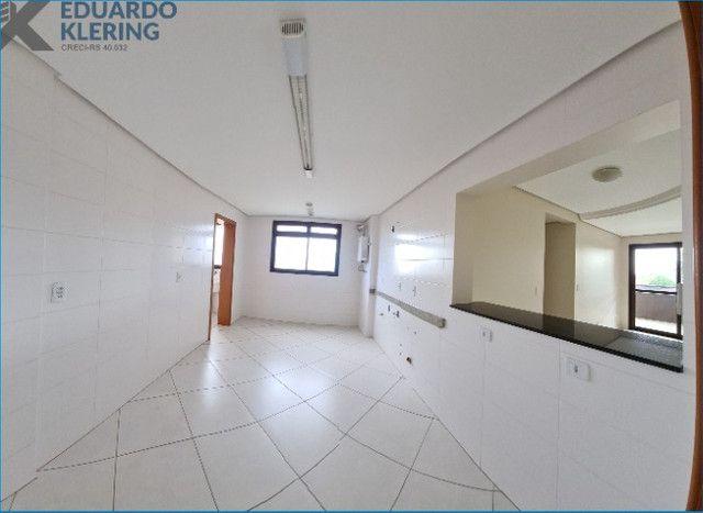 Apartamento com 2 dormitórios, 2 vagas, sacada com churrasqueira, Esteio-RS - Foto 11