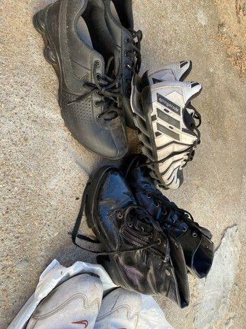 2 Nike 43 + 1 adidas 39 e uma bota feminina 35 - Foto 2