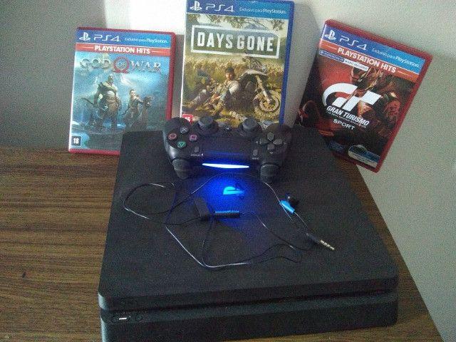 PlayStation 4 modelo slim