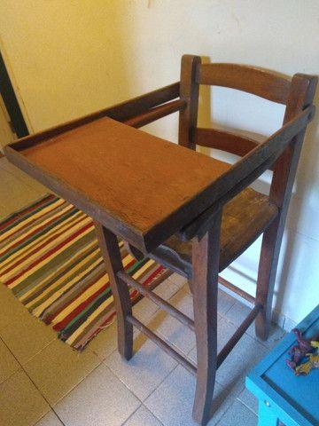 Cadeira alimentação de madeira