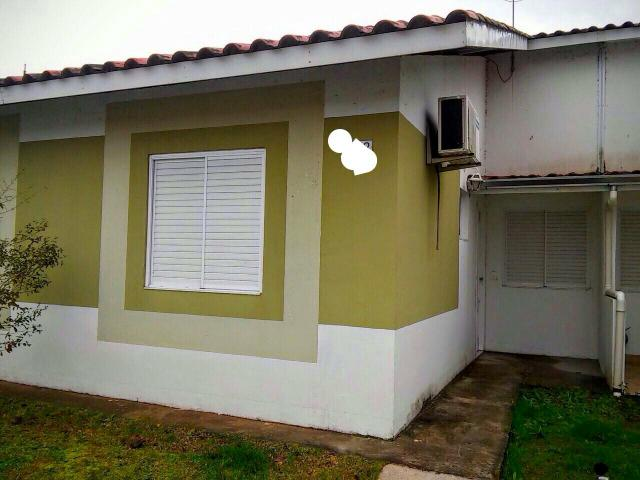 Casa no condomínio moradas club Santa maria