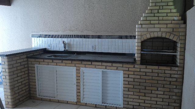 Apartamento 3 quartos com quintal e churrasqueira . Valor com condomínio R1400