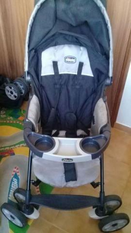 Carrinho Chicco - Pouquissimo tempo de uso - acompanha bebê conforto